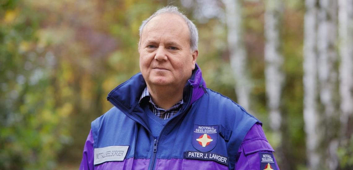 Porträt Mann in Uniform der Notfallseelsorge