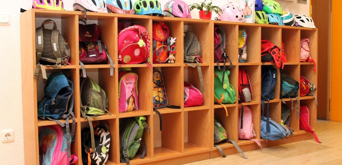 Garderobe in einem Kindergarten