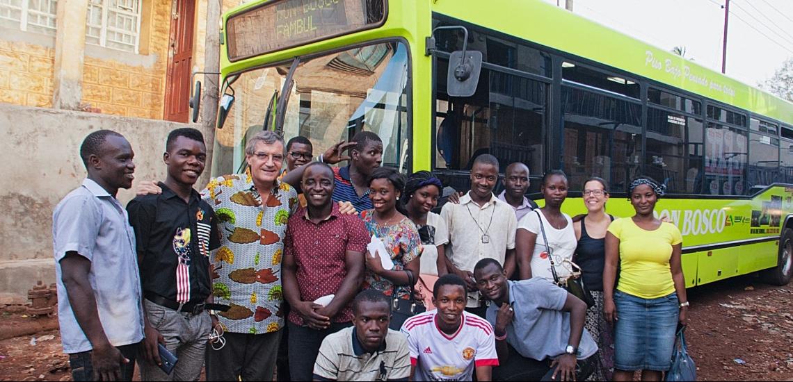 Bus mit Team von Don Bosco Fambul in Sierra Leone