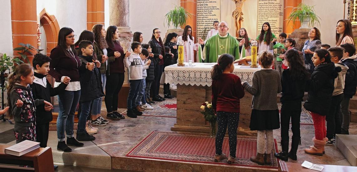 Gottesdienst der Italienischen Katholischen Gemeinde in Sankt Emmeran in Mainz
