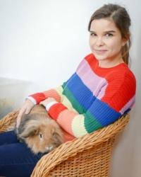 Annka Preil mit Meerschweinchen